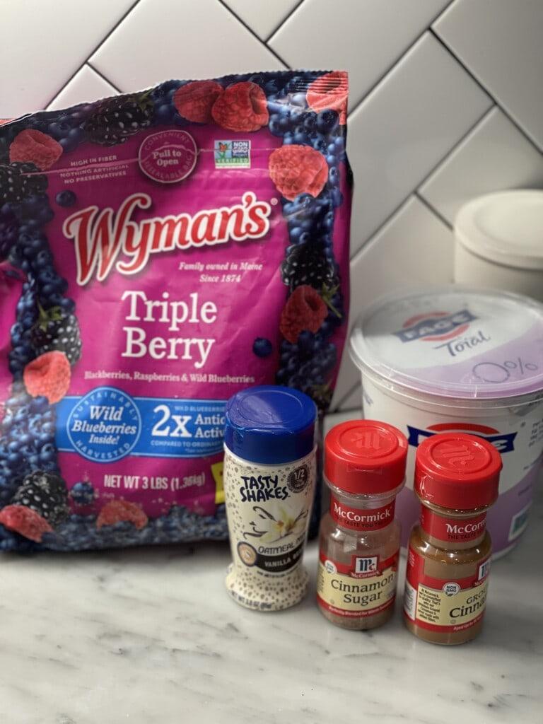 mixed berry overnight oat